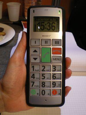 Le téléphone au creux de la main