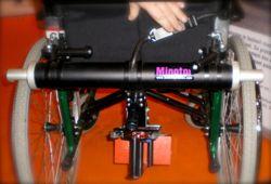 Photo du la motorisation Minotor installé sur un fauteuil x