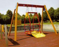Balançoire adapté pour accès en fauteuil