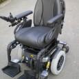 Le Quantum 6000 ou Q 6000 est un fauteuil 6 roues qui peut être équipé de toutes les fonctions électriques en option (sauf la verticalisation). Il peut être équipé d'un contrôle d'environnement propre à l'électronique Q-Logic.
