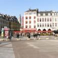 Nous débutons ici un cycle d'articles sur les grandes métropoles françaises voire européennes sous la forme de visites touristiques accessibles. Première visite au coeur du centre ville de la capitale des flandres …