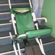 Cette chaise permet l'évacuation des personnes fragiles d'un bâtiment collectif. En effet, en cas d'évacuation, il est impossible d'utiliser les ascenseurs ou de descendre en fauteuil roulant.