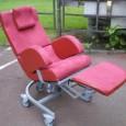 Le SICOA est un SIège COquille Adaptable (d'où son nom SICOA) grâce à de nombreux dispositifs de réglages. C'est également un fauteuil confortable.