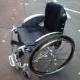 Le fauteuil roulant manuel HURRICANE est un fauteuil créé entièrement sur mesure. Les prises de mesures sont effectuées par le personnel de chez MEYRA.