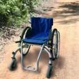 Voici la présentation d'un fauteuil roulant manuel spécialement destiné pour le tout-terrain, la plage etc ...