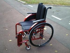 fauteuil roulant manuel ch ssis pliant x1 fabriqu par meyra. Black Bedroom Furniture Sets. Home Design Ideas