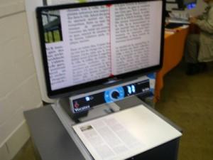 Photo du Vocatex vu de face en utilisation avec un texte