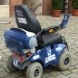 """Francisco Munoz Tierno a 89 ans a pu testé un prototype de fauteuil roulant fonctionnant à l'hydrogène conçus dans le cadre du projet européen """"Hychain- Minitrans""""."""