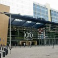 La gare de Bruxelles-midi est une gare internationale d'où démarrent et arrivent des trains nationaux mais également des THALYS, des TGV, des EUROSTAR ainsi que des ICE (allemand).