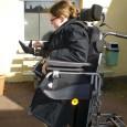 Le fauteuil Forest, nouveau dans la gamme de Vermeiren, est un fauteuil à dominante extérieure au vu de ses capacités. Il peut néanmoins également circuler en intérieur.