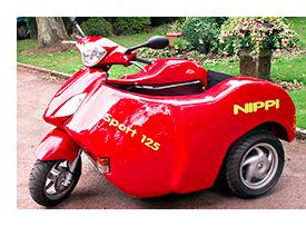 Le Nippi est un scooter accessible directement depuis son fauteuil roulant ...