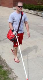 """Une nouvelle canne """"intelligente"""" semble être un nouveau afin d'aider les personnes aveugles à se déplacer de façon autonome."""