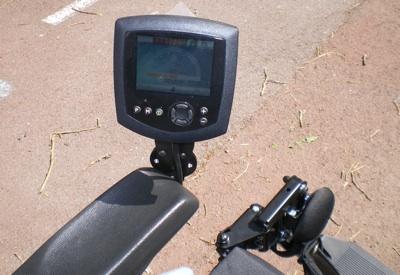 Les fauteuils roulants électriques Groove et Salsa ainsi que l'électronique Delphi ont déjà été présentés dans des articles précédents. Dans cet article, nous allons vous détailler la nouvelle électronique Rnet fabriquée par Penny and GIlles et distribué par Sunrise.