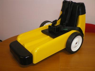 Passons brièvement en revue quelques matériels pour enfants de conception anglaise qui nous ont été présentés.