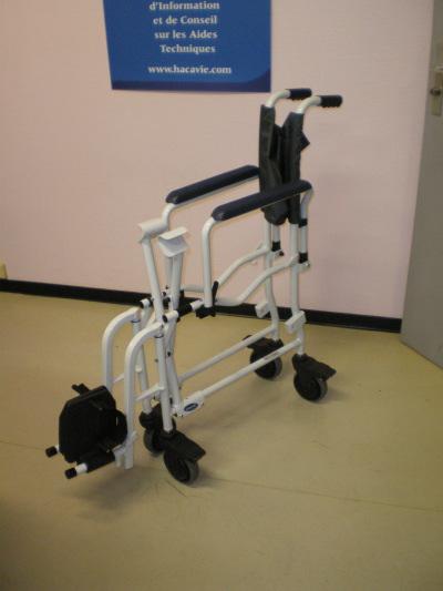 Cette gamme réunit toutes les aides-techniques de la vie quotidienne autres que les fauteuils roulants. A savoir, des lits, des lèves-personne, des fauteuils de confort, des déambulateurs, des sièges de bains élévateurs ou encore chaises de douche