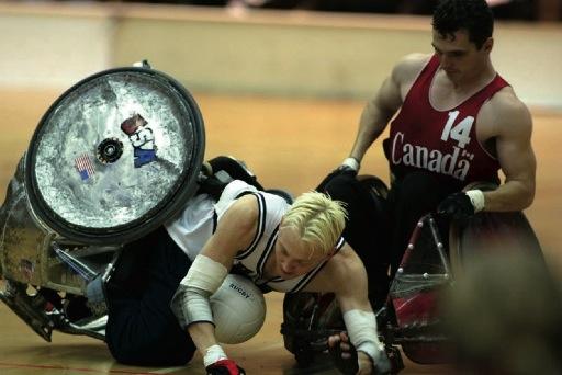 Connaissez-vous le seul sport dédié aux personnes tétraplégiques ou assimilées ? Certains diront que cela n'existe pas, d'autres (très peu) vous répondront «C'est le rugby fauteuil ou le quad rugby» ...