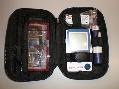 L'essai d'un lecteur de glycémie est une première pour Hacavie. Voici le lecteur de glycémie SENSOCARD PLUS parlant.