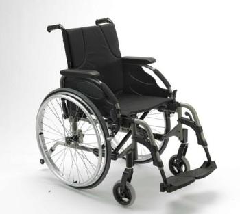 Nouveautés 2011 concernant le fauteuil roulant manuel Action 4 de chez INVACARE.