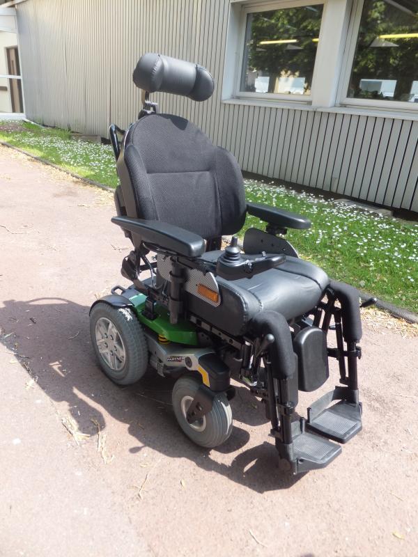 le fauteuil roulant lectrique partner. Black Bedroom Furniture Sets. Home Design Ideas