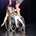 La Fédération Française Handidanse est née de la volonté de Cécile AVIO qui donnait des cours de danse et qui a réfléchi sur la possibilité de faire danser des sourds et aveugles.