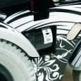 Le B400 Advanced est un fauteuil roulant électrique à utilisation mixte (intérieur et extérieur).