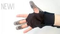 BIOSERVO, une société suédoise, a conçu avec l'aide de chercheurs de l'Institut Royal de Technologie (KTH) de Stockholm, le SEM (Soft Extra Muscle) Glove.