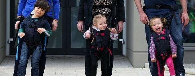 L'UpSee est un harnais permettant aux enfants ayant une déficience motrice de marcher avec l'aide d'un adulte. Cette brillante idée provient de Debby Elnantan, mère d'un fils de deux ans […]