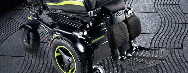 Le Puma 40 SEDEO ERGO à usage mixte est un fauteuil roulant électrique à traction, équipé de 4 roues.