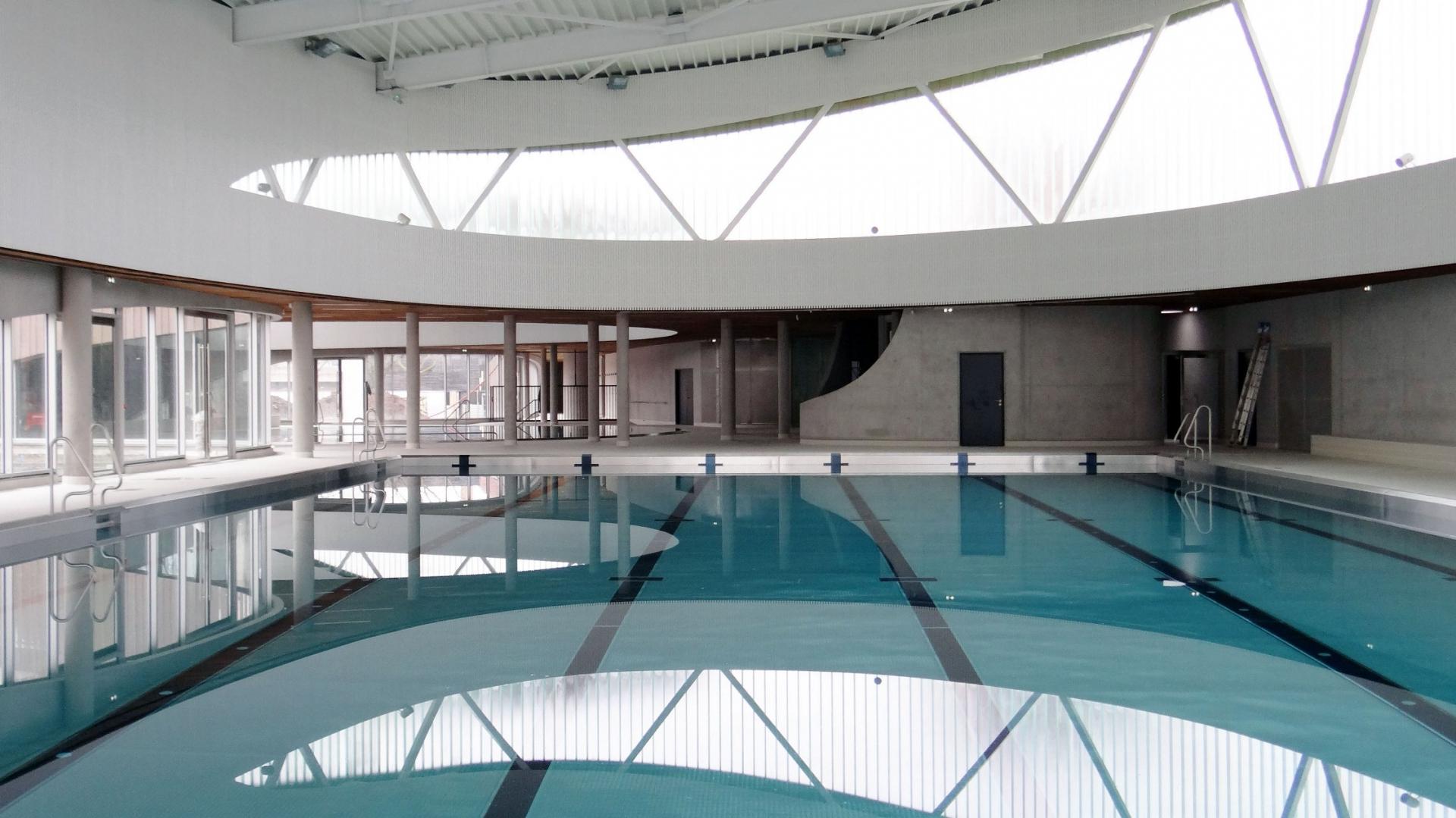 Piscine plein sud lille sud for Vestiaires piscine