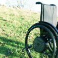E-Motion M25 est la nouvelle génération de l'E-Motion, l'assistance électrique à la propulsion pour fauteuil roulant manuel.