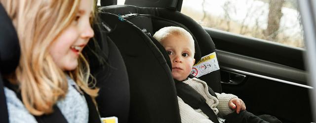 Le siège auto Axkid a été conçu pour les enfants en situation de handicap jusqu'à 25 kg et 125 cm.