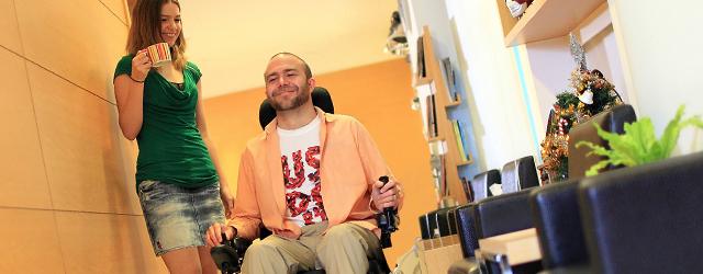 Life Mobility nous présente le Blazer, fauteuil roulant électrique compact.