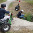 Faute de trouver un engin adapté à leurs besoins, trois Alsaciens handicapés moteur ont transformé un gyropode pour l'utiliser en position assise et aller sur tous les terrains. Essai dans les Ardennes. Proposé par notre partenaire Yanous, le magazine francophone du handicap.